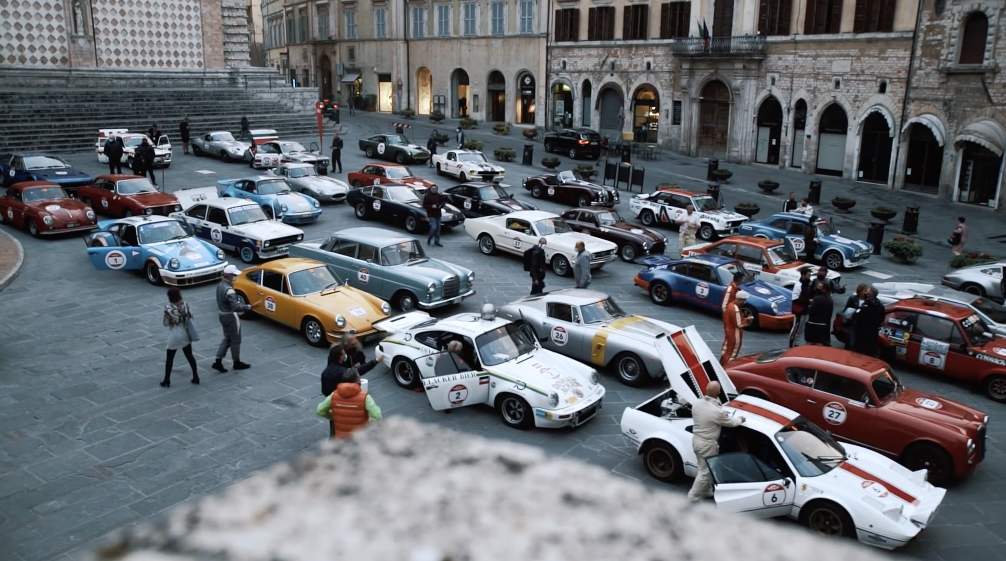Watch These Vintage European Race Cars Rally Through Italy