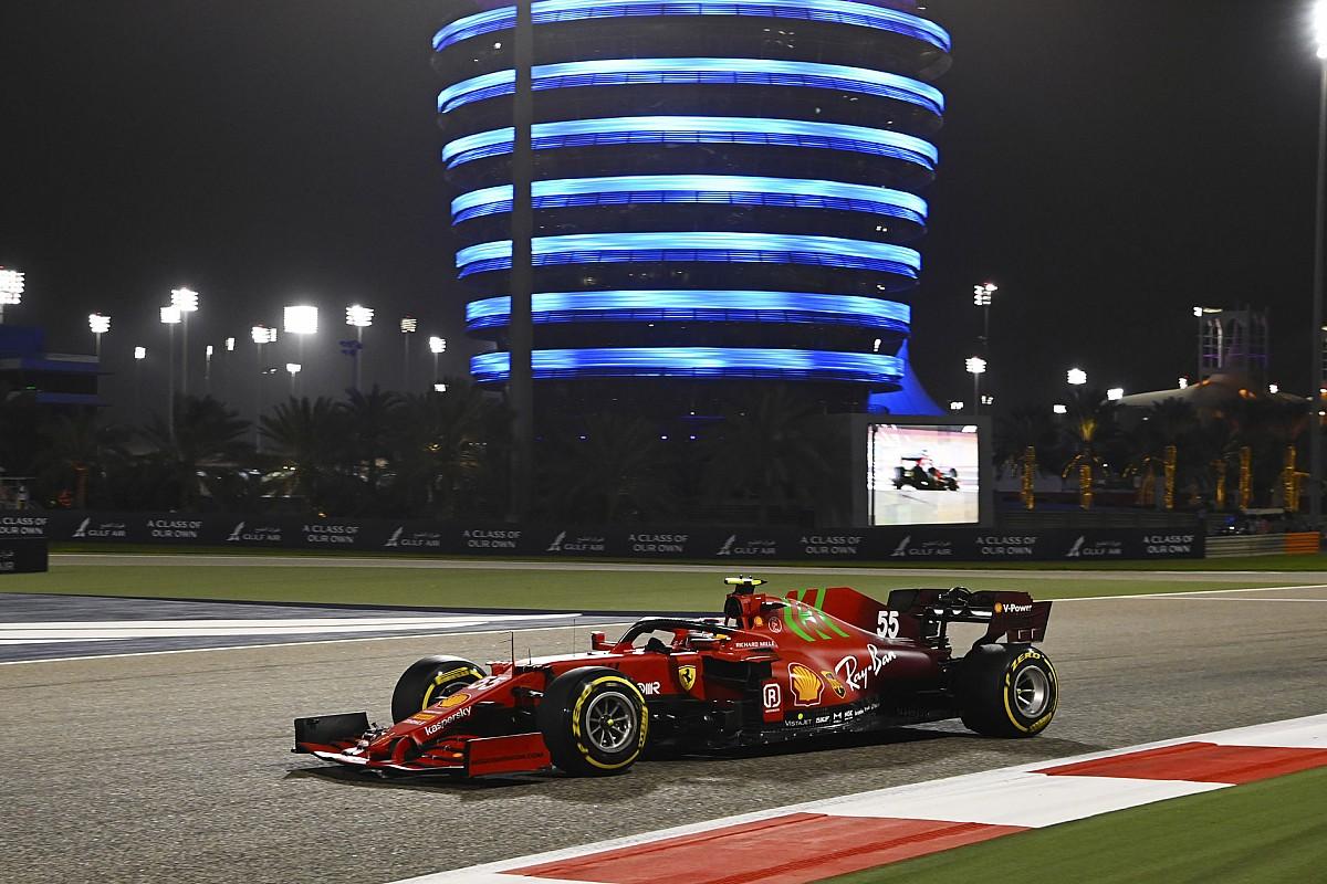 Sainz: I was too cautious in first Ferrari start